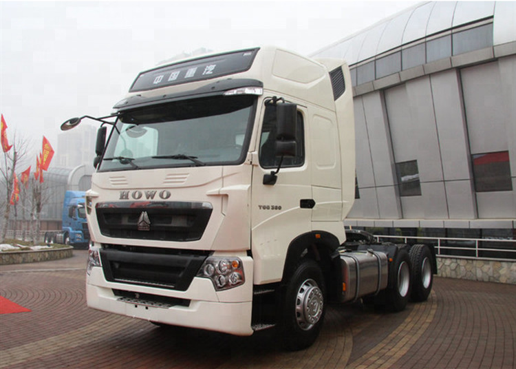Long Distance Heavy Transport Truck , Sinotruk Howo T5G Commercial Truck Trailer